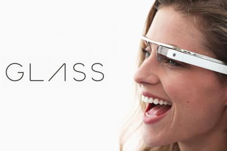 Luxusszemüvegként tér vissza a Google Glass  4b0d87f378